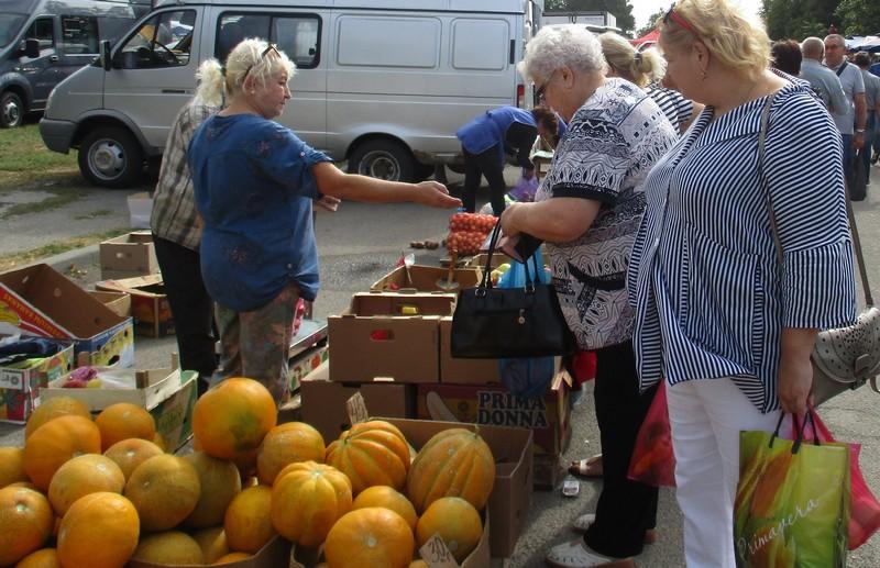 В субботу, 26 сентября, в Азове пройдет очередная ярмарка выходного дня.